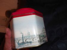 COLLECTABLE EMPTY TWININGS TEA TIN PICTORIAL WESTMINSTER BRIDGE circa 1890
